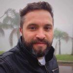 carlos eduardo do grupo cifra fala sobre a parceria com a mundo livre fm maringá