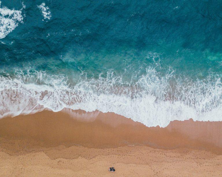 projeto de verão da mundo livre fm focou na limpeza dos oceanos
